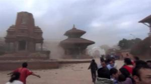 Tourist captures incredible footage of moment earthquake hits Nepal