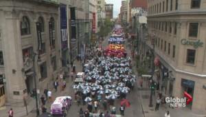 Centraide's march of 1,000 umbrellas