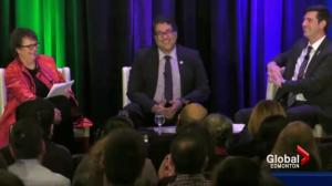 Naheed Nenshi and Don Iveson have fun at mayors' forum in Edmonton