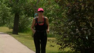 Mother running 300km to help daughter fight anorexia