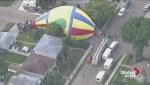 Raw: Hot air balloon lands in Edmonton neighbourhood