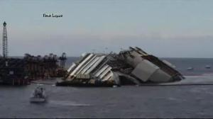 Timelapse of Costa Concordia raising