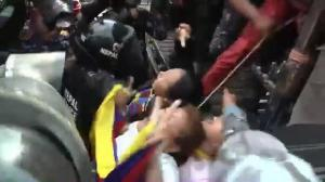 Raw video: Protesters clash with police in Nepal