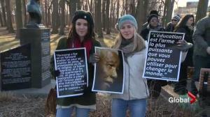 Montrealers march for Nelson Mandela
