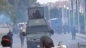 Raw video: Clashes continue at Egyptian universities