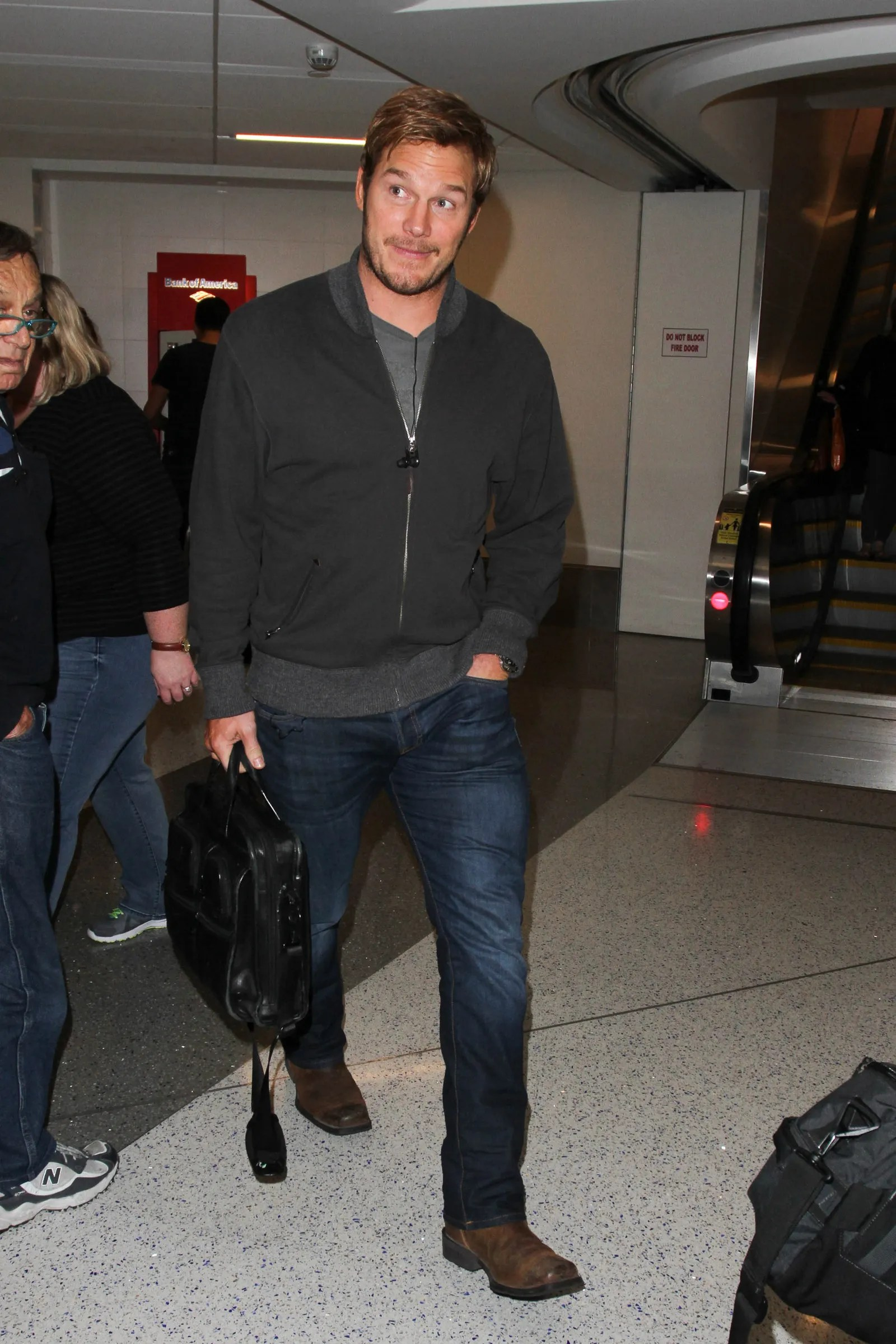 Hair Style Man Zero What 39;s Going On With Chris Pratt 39;s Hair Gq