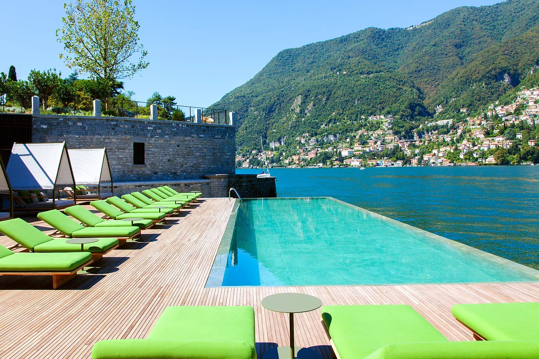 Cash Pool Italien Lake Como Is Now Home To Europe S Most Insane And Instagrammable