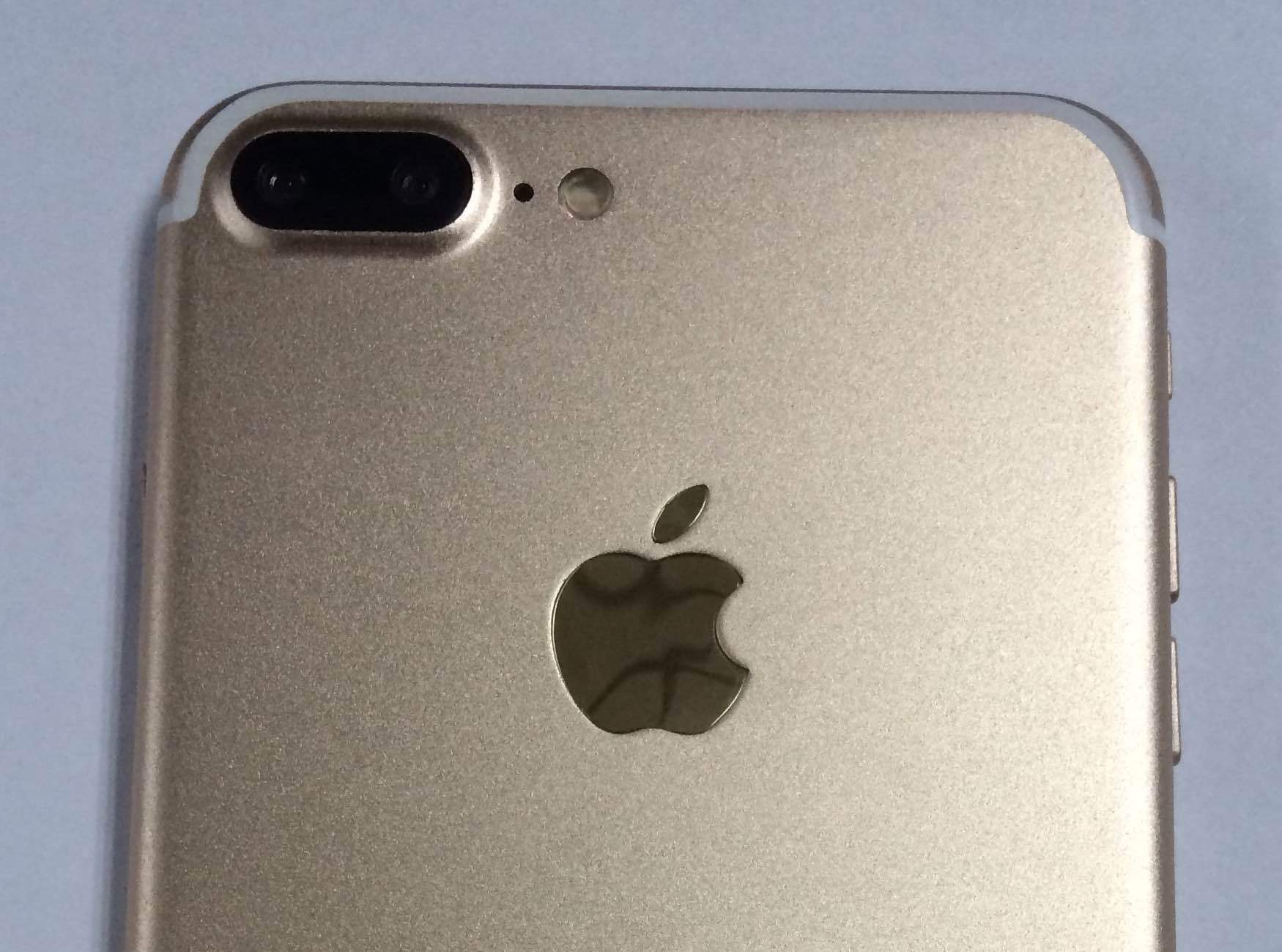 Iphone 7s Reconditionné Photos Of Iphone 7 Plus Dummies Or Are They In Gold