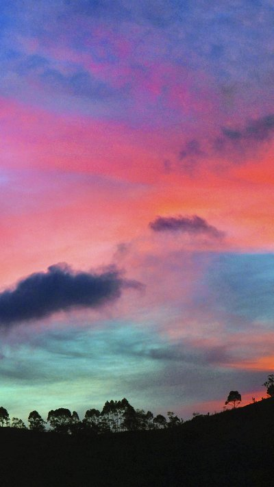Wallpapers of the week: the colorful sky