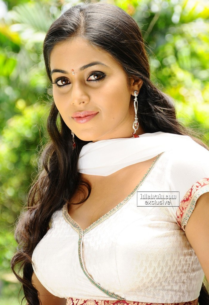Punjabi Cute Girl Hd Wallpaper Beautiful Indian Girls Indiatimes Com