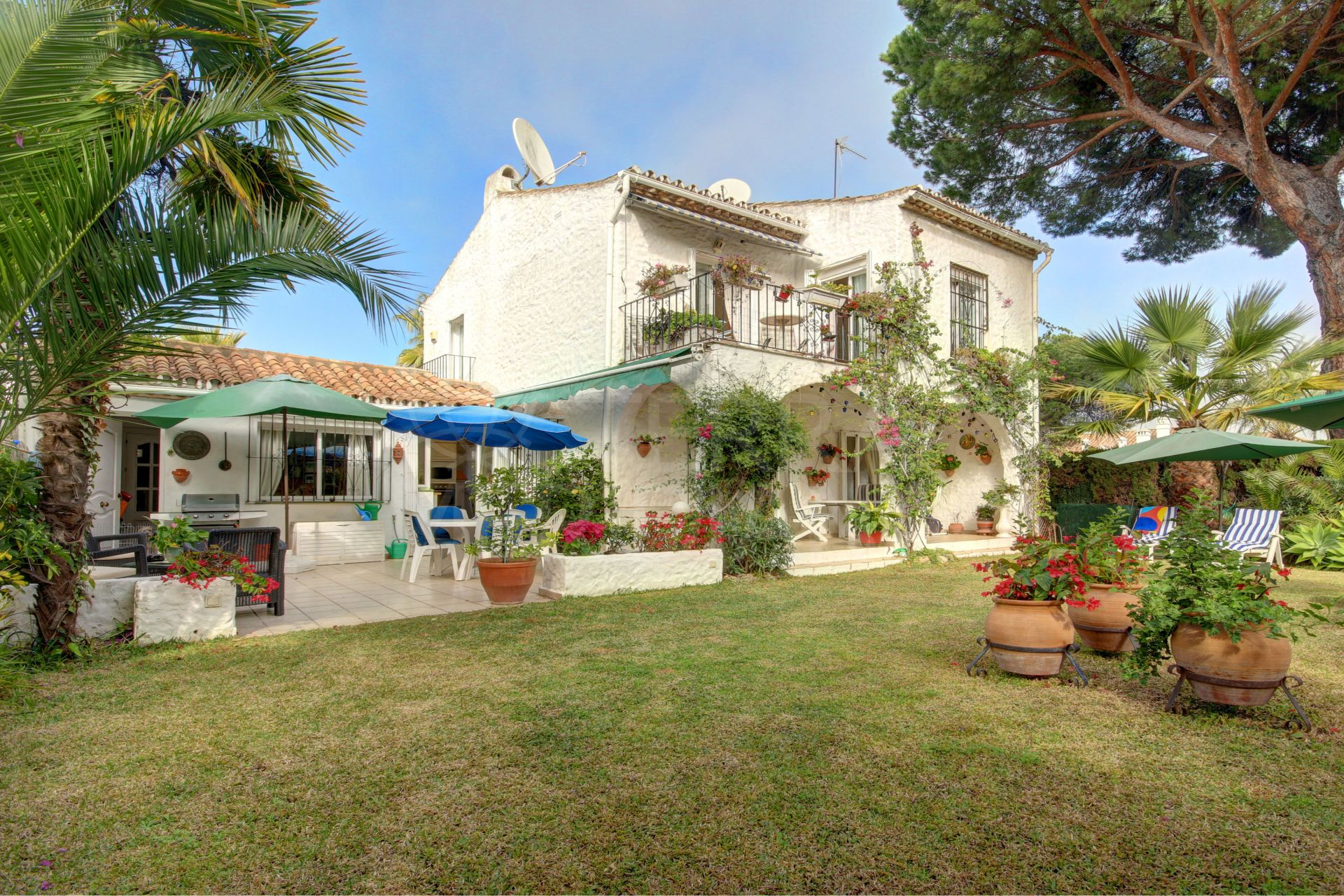Mediterranean Style Villa For Sale In Benamara New Golden Mile Estepona