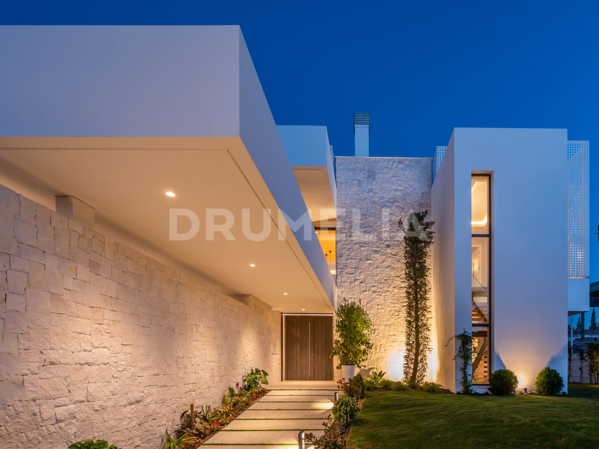 Marvellous New Modern Luxury Villa In Cancelada Estepona