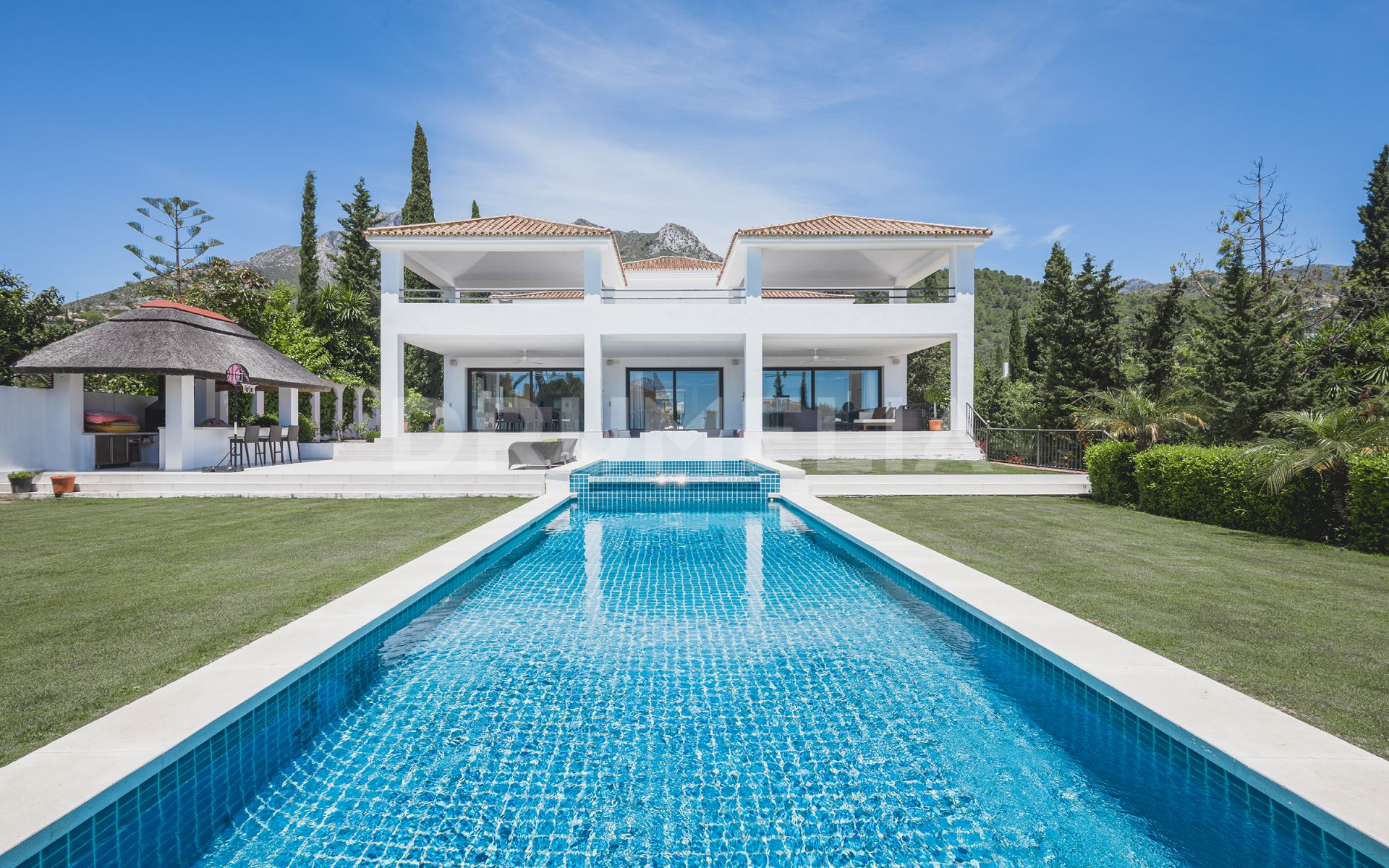 Marvellous Renovated Modern Mediterranean Luxury Villa In Sierra Blanca