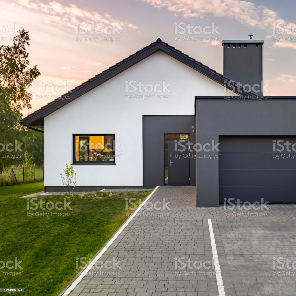 Moderne Garage Modern House With Garage Stock Photo More Pictures Of