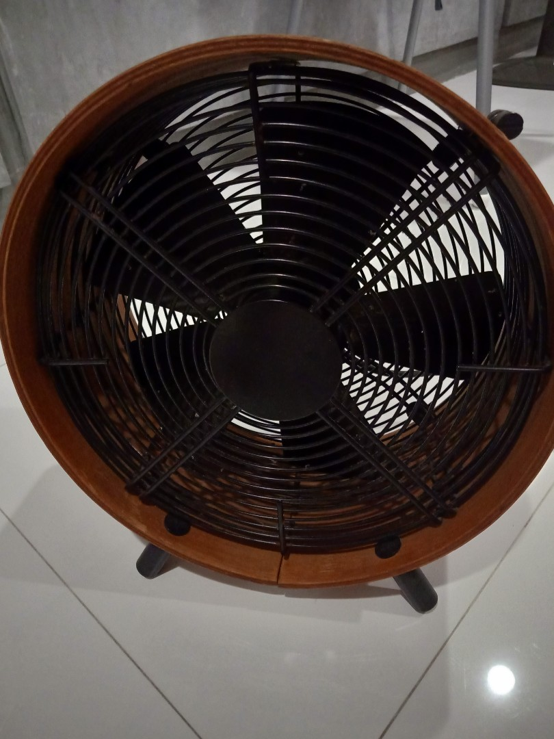 Vintage Looking Fan Vintage Industrial Rusty Looking Fan