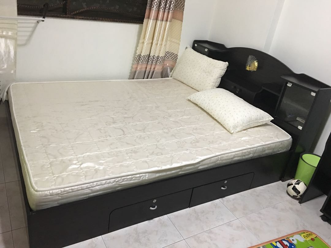 Dressing A Bed Queen Bed With Mattress Side Table And Dressing Table