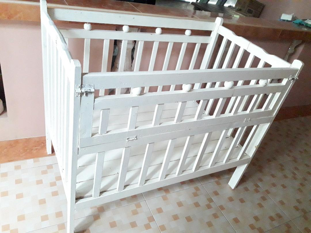 Pre Loved Foldable Crib With White Paint Babies Kids Baby Nursery Kids Furniture Children S Beds On Carousell