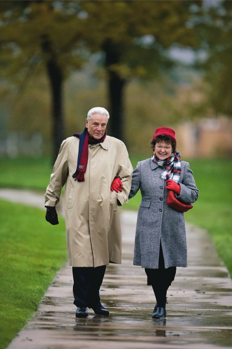 Married Couple Wallpaper With Quotes Elderly Couple Walking