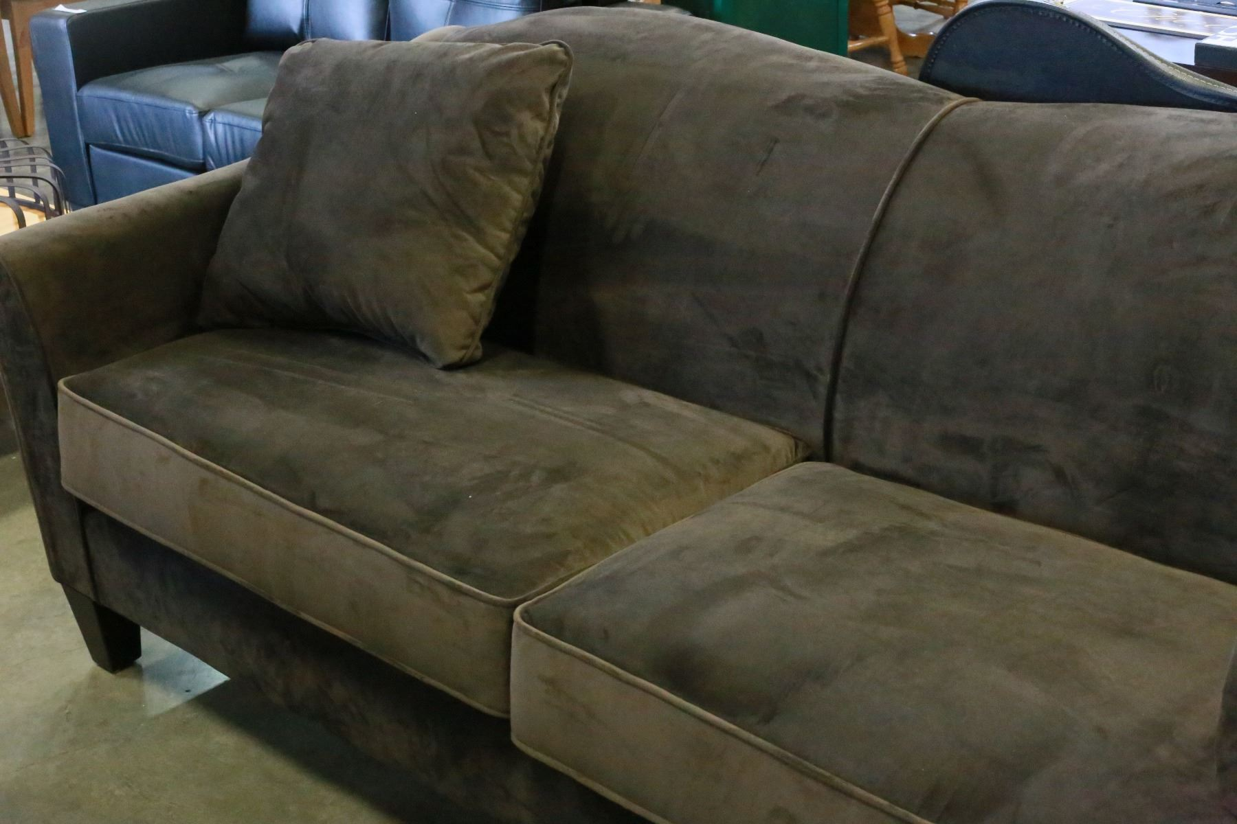 Microfiber Sectional Canada Brand New Ashley Furniture Brown Microfiber Sofa And Throw