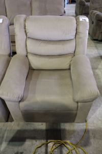 BEIGE RECLINING LIVING ROOM CHAIR