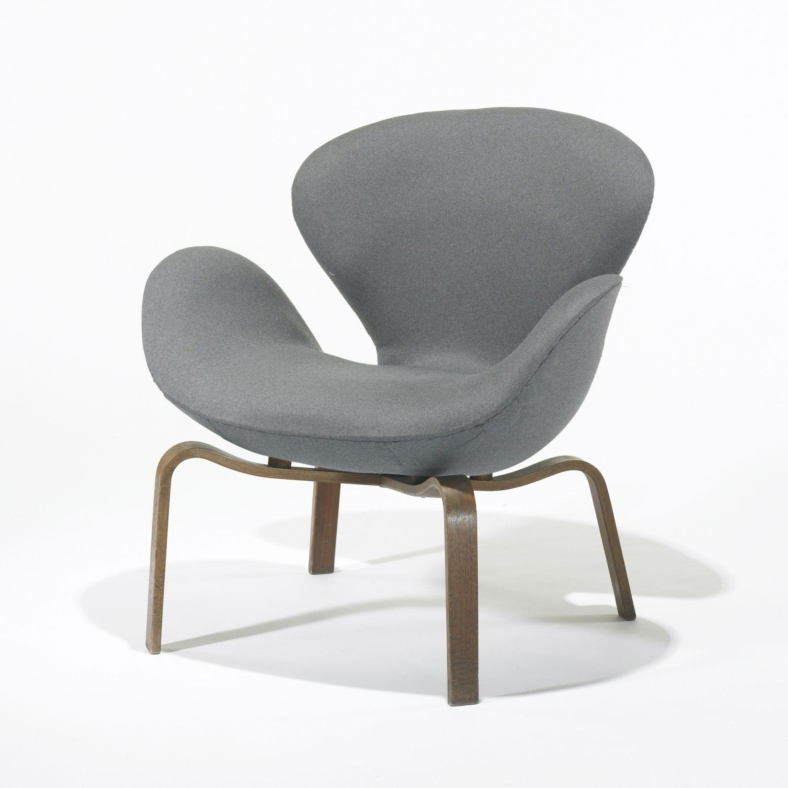 Arne Jacobsen Swan Chair Arne Jacobsen Swan Chair, Model 4325