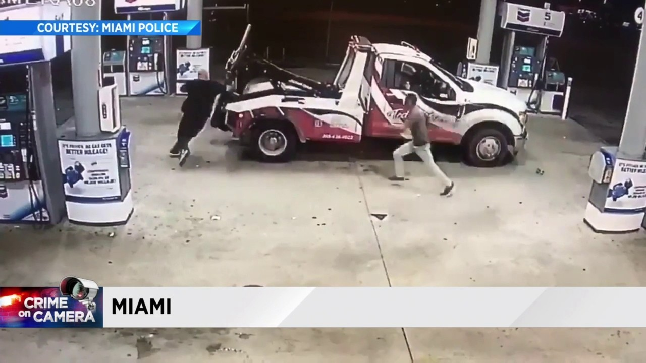 Tow Truck Video Shows How Tow Truck Driver Escaped From Armed Robber