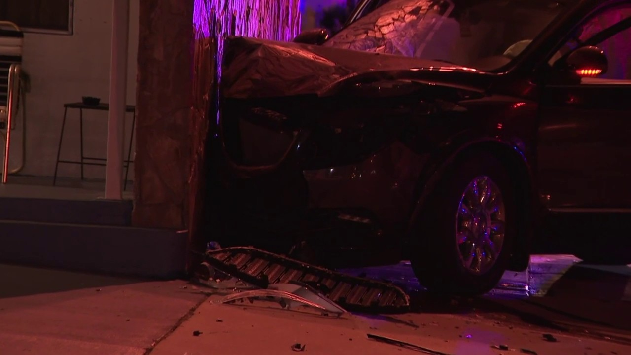 Hollywood Motel Suv Slams Into Side Of Hollywood Motel