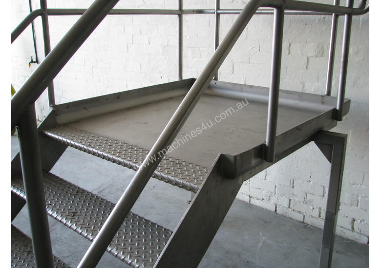 Used Stainless Raised Platform Stainless Steel Step