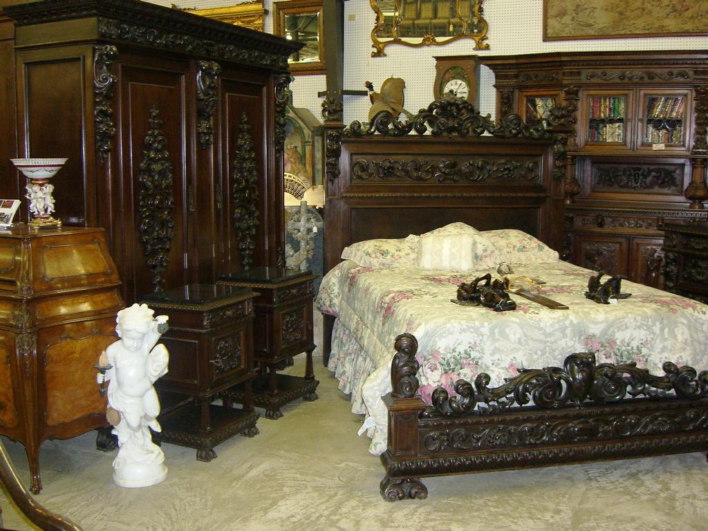 ... Bedroom Furniture Antique Furniture Antique Italian. Download - Antique Furniture Bedroom