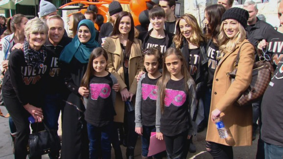Flyers Welcome Family to Their New Home in Philly - NBC 10 Philadelphia