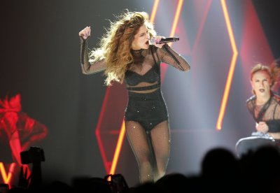 Selena Gomez is irresistible in thumping return to N.J. (PHOTOS) | NJ.com