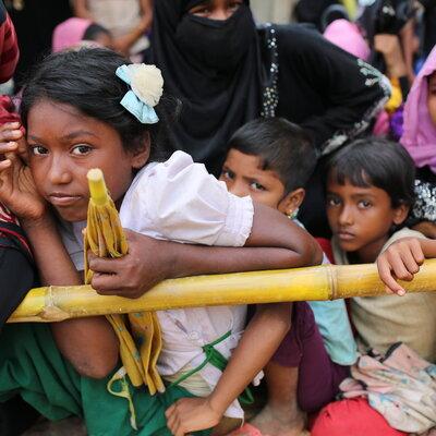 Boat Carrying Rohingya Refugees Capsizes Off Bangladesh