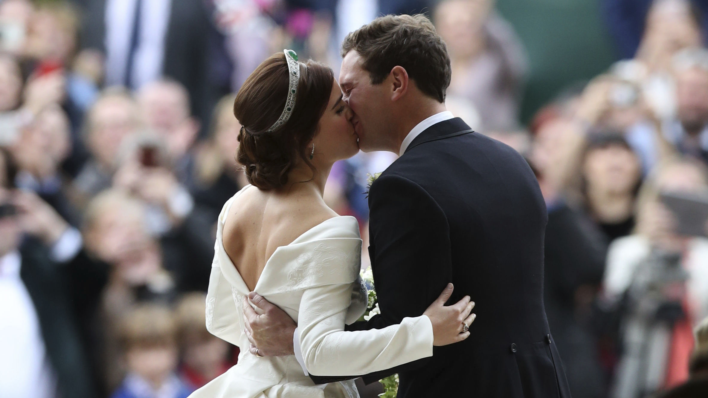 39you Look Perfect39 Princess Eugenie Of York Marries In