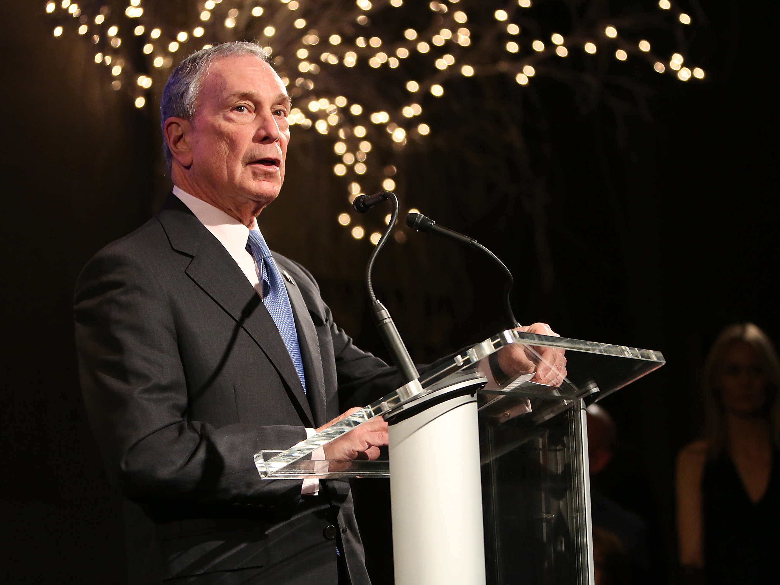 Michael Bloomberg Gives 18 Billion To Financial Aid At