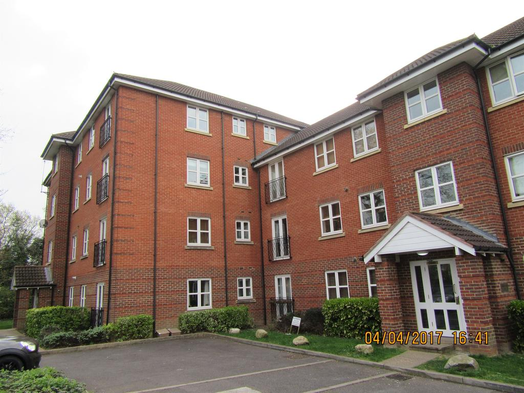 Bed And Breakfast Romford College Court 3 Scholars Way Romford Rm2 2 Bed Flat 1 000