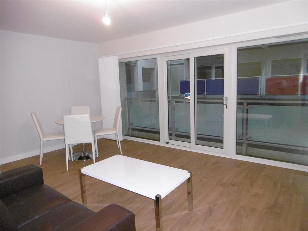 One Bed Flat Leeds Concord Street Leeds 1 Bed Flat 625 Pcm 144 Pw