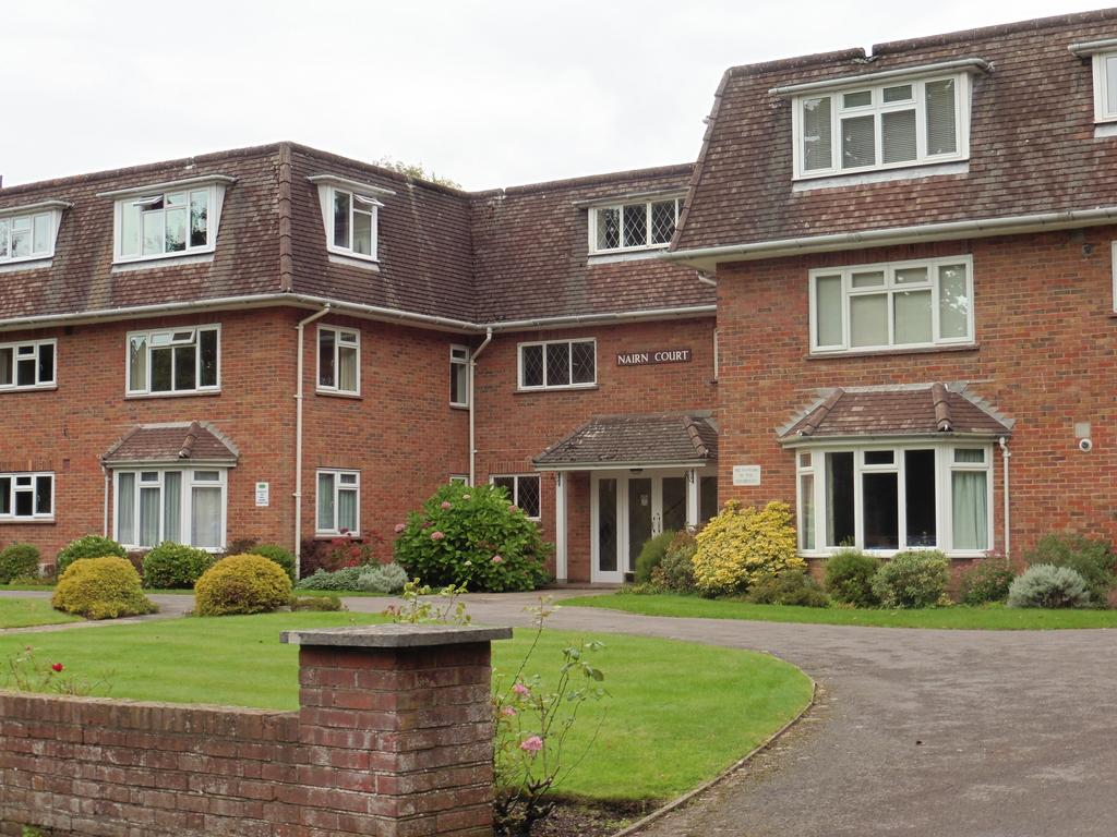 2 Bed Flat Bournemouth Nairn Court Bournemouth Bh3 2 Bed Flat To Rent 875 Pcm 202 Pw