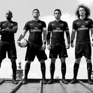 PSG, Real, Barça, MU... Le classement des clubs qui vendent le plus de maillots !