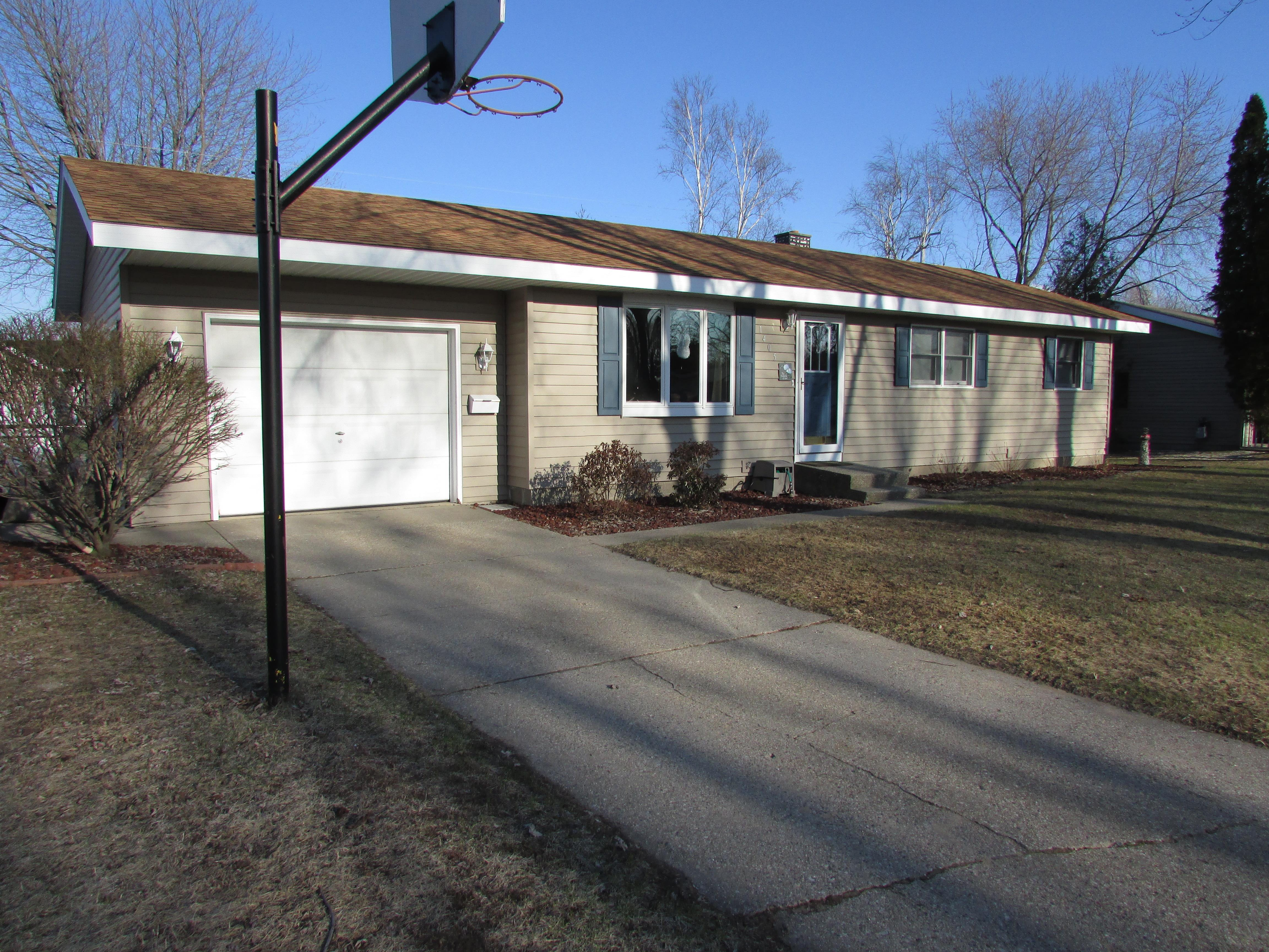 1 Bed House For Sale Sold By Meagan Kempf Remax In Manistee Michigan Re Max