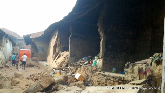 An old building which collapsed and killed a pregnant mother and her daughter in Abeokuta Thursday.