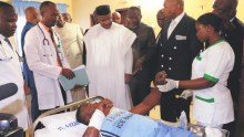 Akwa Ibom State Governor, Mr. Udom Emmanuel visits Akwa United FC Supporters at St. Athanasius Hospital, Uyo, who were involved in a auto crash on their way to Port Harcourt for a match between