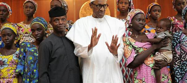 president-muhammadu-buhari-with-21-chibok-girls