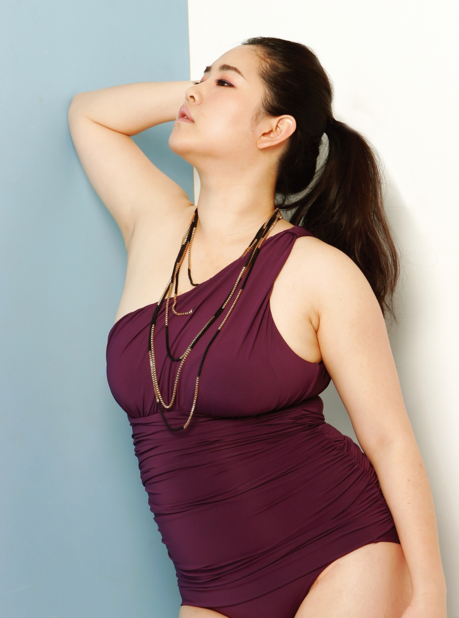 And You Thought There Is Never A Girl Online Wallpaper Meet South Korea S First Plus Size Model