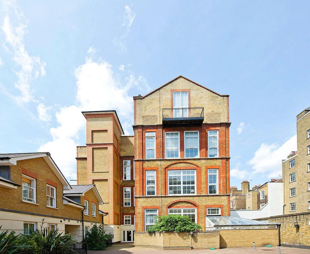 2 Bedroom Garden Flat London 2 Bedroom Flat To Rent In Three Cups Yard Sandland Street