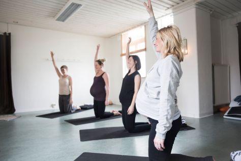 gravidyoga gravidträning yoga halmstad