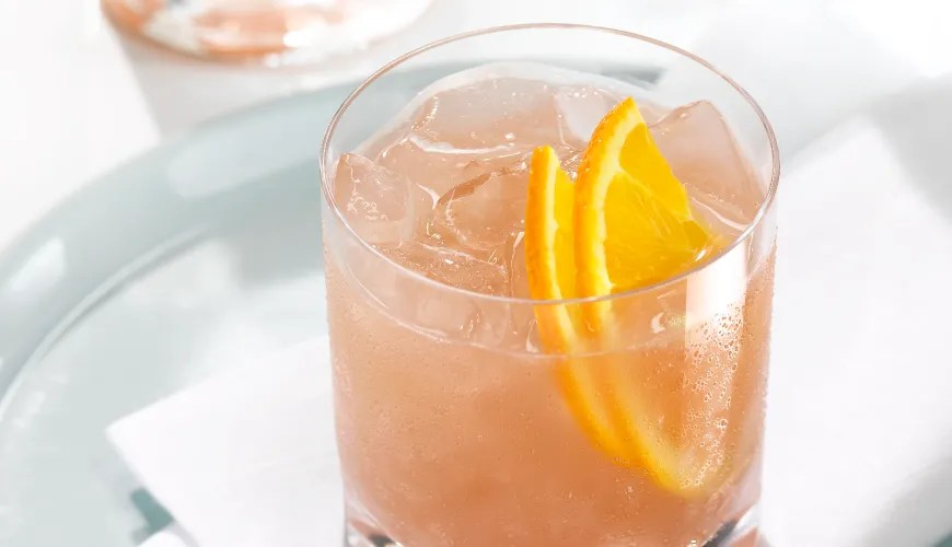 14 Low-Calorie Alcoholic Drinks Registered Dietitians Love SELF