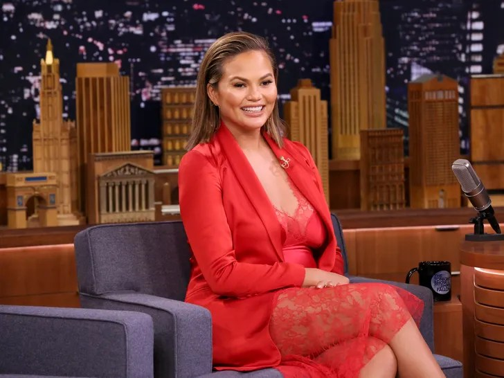 Chrissy Teigen (and Everyone Else) Wants to Know if Acid Reflux Can
