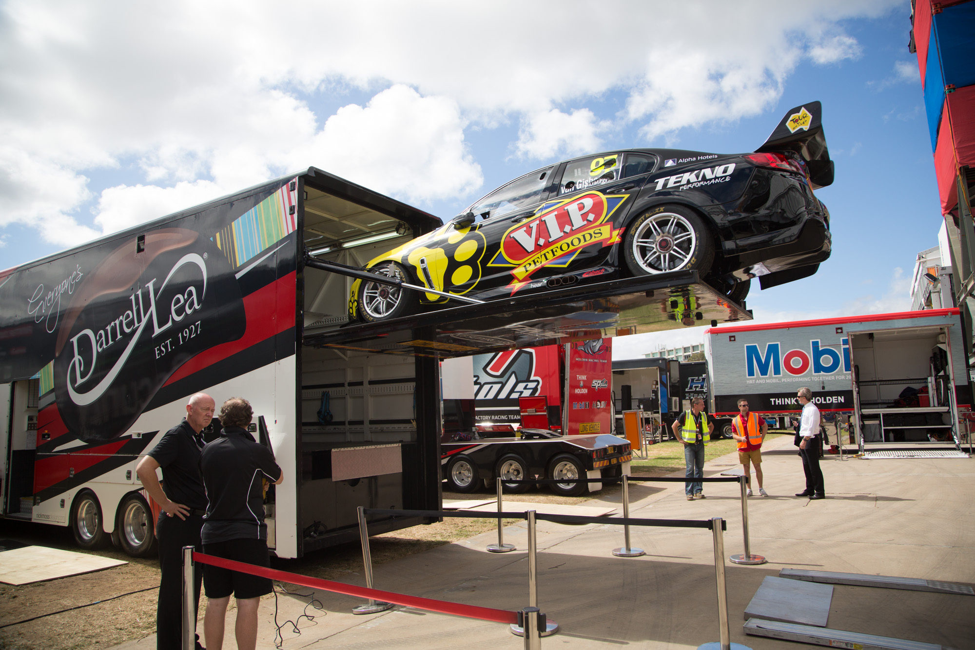 Tv Fix Adelaide Gallery Wednesday Clipsal 500 Set Up Speedcafe