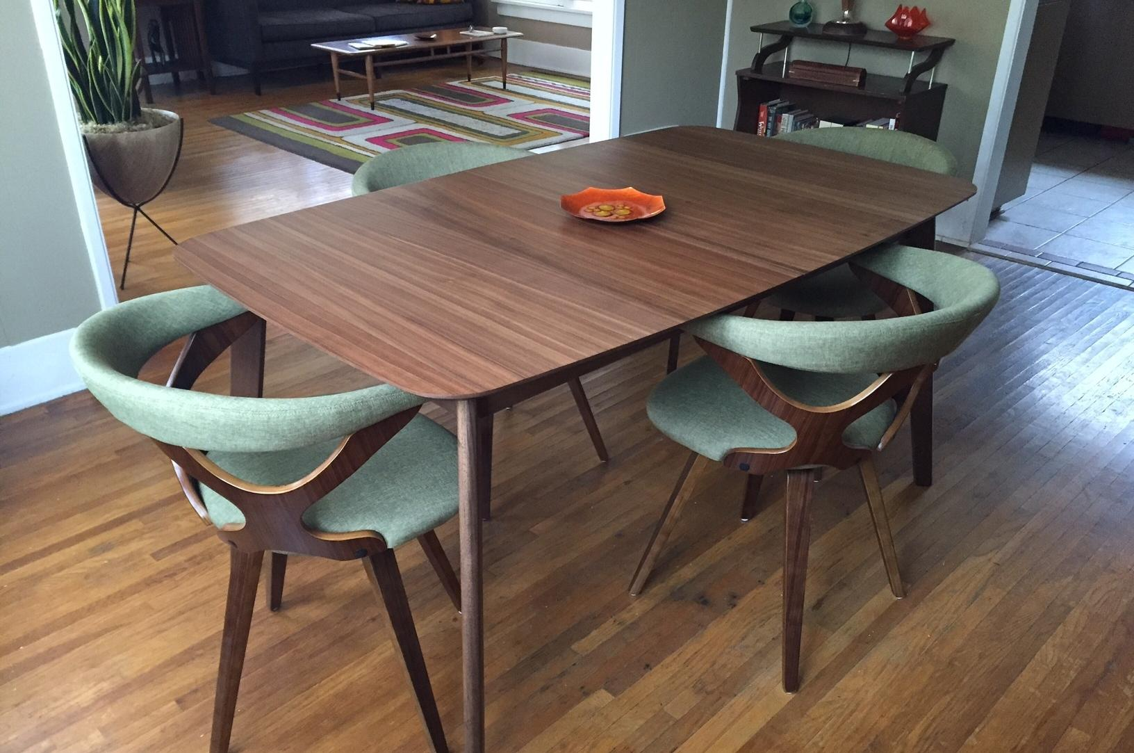Modern Table And Chairs Mix And Match Is The Modern Way To Furnish A Dining Room The