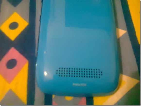 Nokia_lumia_610_Back